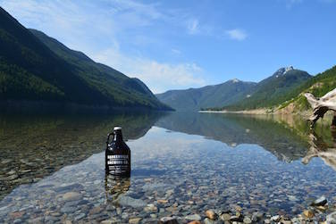 Growler in Lake